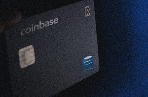 Coinbase CEO Teases Launch of Debit Card in the U.S.