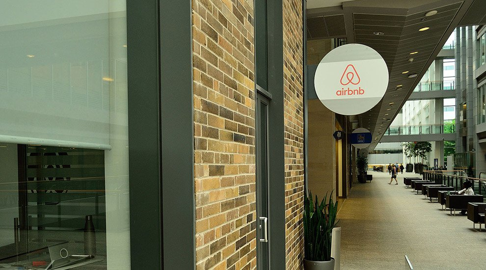 Airbnb Hire of ChangeTip Staff Sparks New Interest in Bitcoin and Blockchain for IoT