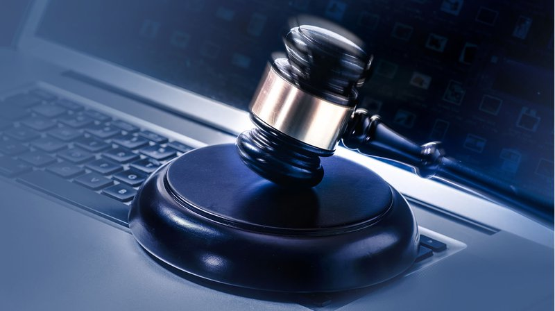 Bitfinex Critics Prepare for Possible Legal Action After Cryptocurrency Exchange Lawyers Up